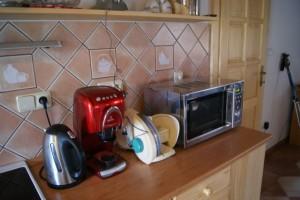 Technický komfort uprosřed přírody: wifi zdarma, kapslový kávovar, topinkovač, sendvičovač, kráječ na chleba a myčka na nádobí, pípa...